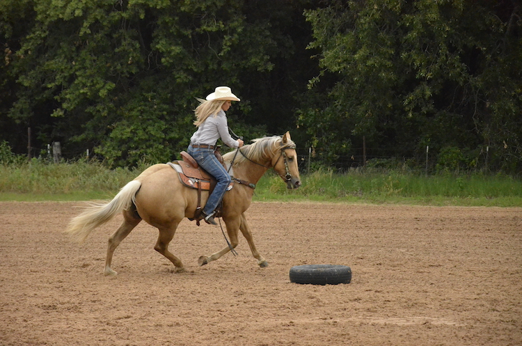 Danyelle Campbell loping around tire