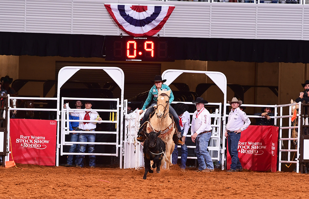 Tanegai Zilverberg winning the 11th performance of the Fort Worth Stock Show Rodeo
