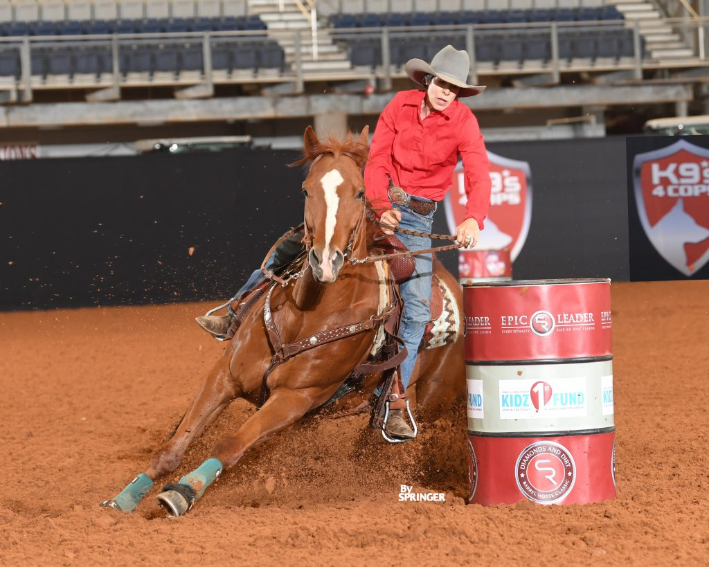 horse turning a barrel at DDBHC